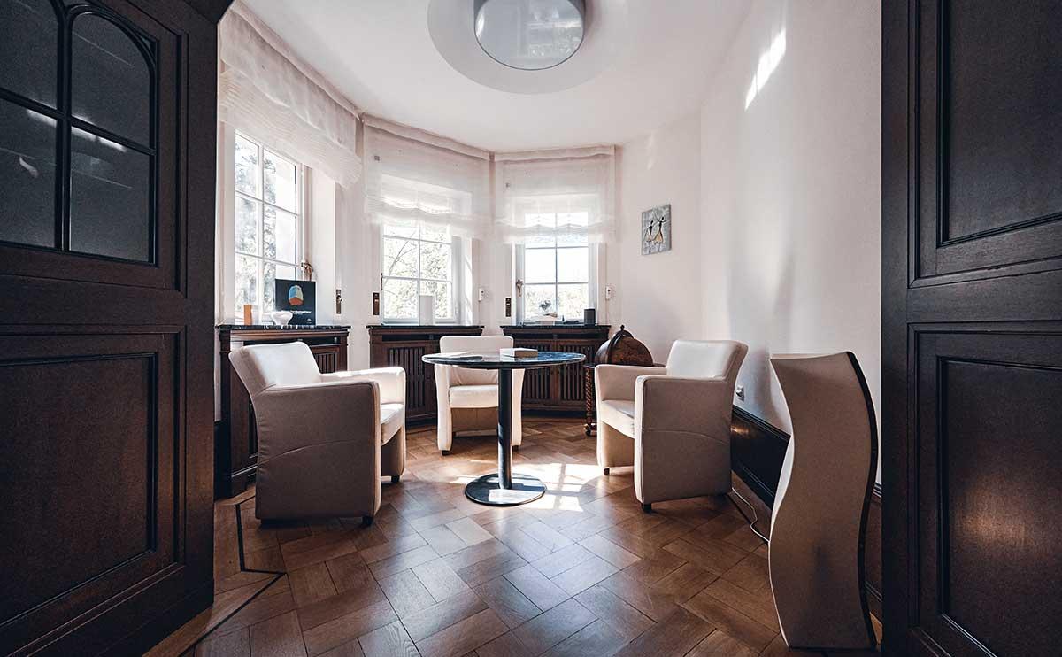 VERUM GmbH - Office Lounge Hoch-Etage